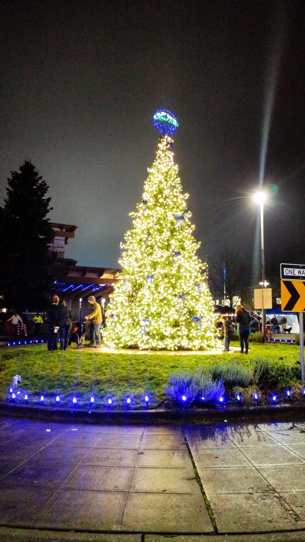 Virtual Christmas Tree Lighting Event – Dec. 7th   City of Lakewood